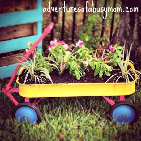 wagon planter.jpg